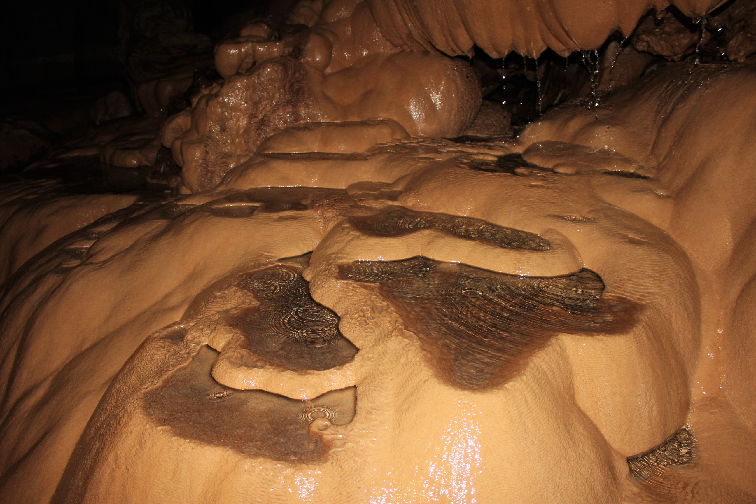 sagada-sumaguing-cave-water-terraces-rock-formation